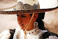 -- My parents are from Durango, Mexico. (Photo by Manuel Dávila, Durango, Mx. Mexican Rodeo, Mexican Humor, Mexican Art, Mexican Traditional Clothing, Traditional Outfits, Haiti And Dominican Republic, Mexican Heritage, Spanish Woman, Mexican Fashion