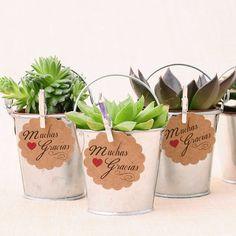 Cubitos de metal galvanizado para regalos #bodas #wedding #favors #DIY http://shop.beautifulbluebrides.com