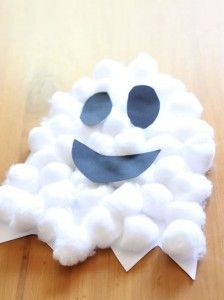 Easy Halloween Crafts for Kids to Make this October! 2019 Easy Craft for Halloween Cotton Wool Ghost The post Easy Halloween Crafts for Kids to Make this October! 2019 appeared first on Wool Diy. Halloween Crafts For Kids To Make, Theme Halloween, Toddler Halloween, Halloween Diy, Halloween Decorations, Couple Halloween, Halloween Makeup, Vintage Halloween, Halloween Halloween