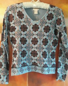 NEW BOHO FITTED KNIT TOP LONG SLEEVES V NECK PAISLEY EXOTIC PRINT NWT S BEADED #STARSUNMOON #KnitTop #Casual