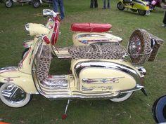 Lambretta super full Scooter Bike, Lambretta Scooter, Vespa Motor Scooters, Electric Bike Motor, Vespa Girl, Sidecar, Cool Bikes, Chopper, Motorbikes