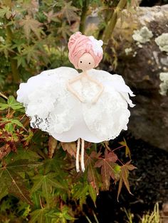 Handmade Home Decor Fairy Crafts, Garden Crafts, Doll Crafts, Diy Doll, Felt Fairy, Baby Fairy, Handmade Flowers, Diy Flowers, Clothespin Dolls