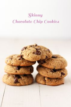 Skinny Chocolate Chip Cookies are soft yet chewy and made with whole wheat flour and no butter! Cookie Desserts, Just Desserts, Delicious Desserts, Dessert Recipes, Yummy Food, Best Cookie Recipes, Sweet Recipes, Baking Recipes, Yummy Treats