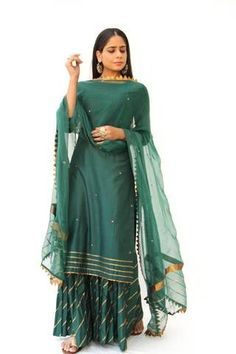 Emerald Green Straight Kurta with Hand Emboidery & Gota Detailed Sharara - Set of 3 - The Ethnic Fix - Dubai - UAE Dress Indian Style, Indian Dresses, Indian Outfits, Sharara Designs, Kurta Designs Women, Pakistani Dresses Casual, Pakistani Dress Design, Indian Attire, Indian Wear