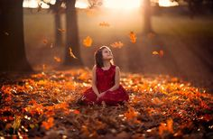 Jake Olson Studios💙 Children's Photography, Autumn, Fall, Fall Photography, Photoshoot in the Leaves Fall Pictures, Fall Photos, Digital Photography School, Children Photography, Emotional Photography, Autumn Photography, Portrait Photography, Fotografie Blogs, Cute Kids Photos