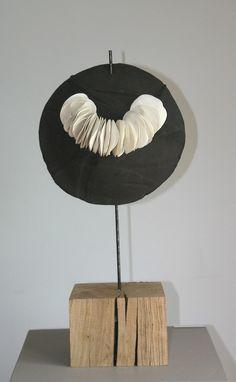 Fabienne Christyn, collier en porcelaine (porcelain necklace) www.fabiennechris...