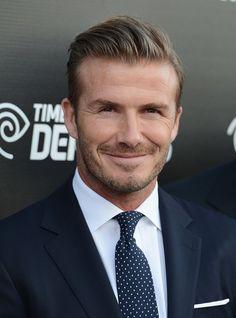 Pin for Later: David Beckham wurde ganz zurecht zum Sexiest Man Alive gewählt David Beckham