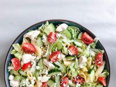Makkelijke Griekse pastasalade - The Salad Junkie, Pasta Salad Italian, Brunch, Pasta Salad Recipes, Evening Meals, Nutritious Meals, Veggies, Healthy Recipes, Dinner, Cooking