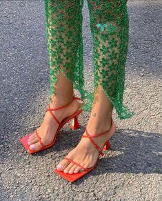 Fashion Killa, Look Fashion, Fashion Shoes, Fashion Outfits, Womens Fashion, Dr Shoes, Me Too Shoes, Aesthetic Shoes, Aesthetic Clothes