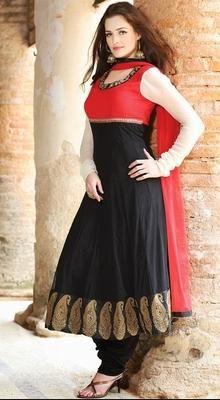 Sparkling Black & Crimson Chudidar Kameez