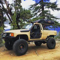 . Toyota Pickup 4x4, Toyota Trucks, Toyota Cars, Toyota 4runner, Pickup Trucks, 1st Gen 4runner, 4runner Limited, Overland Truck, Rc Crawler