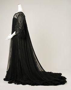 Peignoir  House of Worth    Date:      ca. 1906  Culture:      French  Medium:      silk
