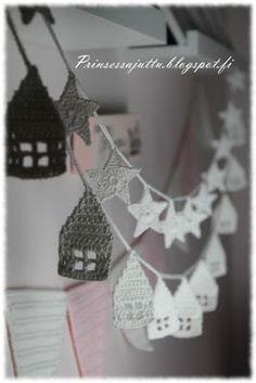 Een gratis Nederlands haakpatroon van een slinger met huisjes. Leuk om iemand cadeau te doen die een nieuwe woning heeft! Lees meer over het patroon.