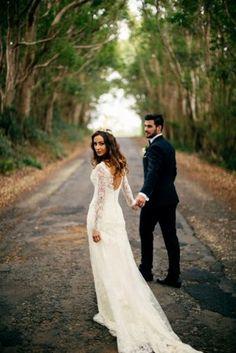 wedding photo shoot in a park