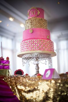 Oh So Pretty Wedding Cake inspiration - Cake: DIVA OF CAKE