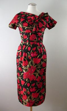 Vintage 50s Dress Silk Roses Red Black Small bust 37