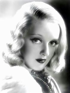 Bette Davis: This woman.this woman! She's got Bette Davis eyes. Hollywood Stars, Old Hollywood Glamour, Golden Age Of Hollywood, Vintage Hollywood, Classic Hollywood, Hollywood Images, Divas, Adrienne Ames, Stars D'hollywood