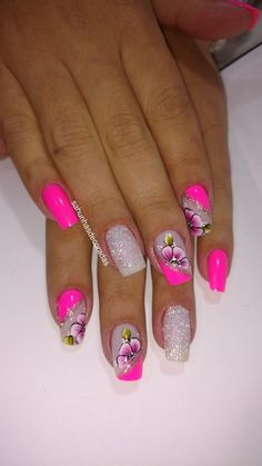 Too cute pink nails with flowers and glitter nail art. Perfect for summer nailart nailswag.Too cute pink nails with flowers and glitter nail art. Perfect for summer nailart nailswag nailstagram , art Cute flowers Glitter glitternail Nail NailArt na Flower Nail Designs, Flower Nail Art, Colorful Nail Designs, Nail Art Designs, Nails Design, Colorful Nails, Cute Pink Nails, Pretty Nails, Nail Swag