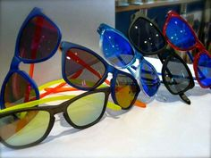 Moda en gafas de sol Sunglasses, Fashion, Colors, Moda, Fashion Styles, Sunnies, Shades, Fashion Illustrations, Eyeglasses