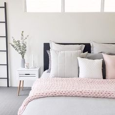 """Mum and Honey Co on Instagram: """"Our pink knit throw is sold out but @megcaris.interiors has it styled on her bed perfectly . . . . . . #knitthrows #chunkyknit…"""""""