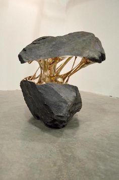 Certains dissèquent les corps, d'autres, les rochers ! Romain Langlois : un artiste étonnant.