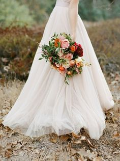 Dreamy Blush Wedding Flowers with Autumn Colors | Morgan Lamkin Photography | 15 Bold and Beautiful Fall Bouquet Ideas!