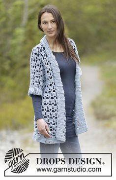 """DROPS Extra - Crochet jacket with lace pattern and shawl collar in """"Big Merino"""". Size: S - XXXL. - Free pattern by DROPS Design Crochet Lace Collar, Crochet Coat, Crochet Jacket, Crochet Cardigan, Crochet Shawl, Free Crochet, Crochet Hooks, Drops Patterns, Lace Patterns"""
