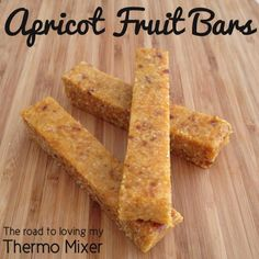 Thermomix Apricot Fruit Bars sound tasty for a lunchbox treat! Baby Food Recipes, Sweet Recipes, Snack Recipes, Cooking Recipes, Thermomix Recipes Healthy, Lunch Box Recipes, Lunch Ideas, Challah, Apricot Bars