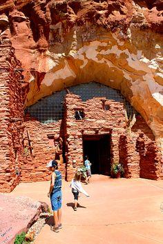 moqui-caves-kanab-utah  a natural history museum featuring Native American artifacts