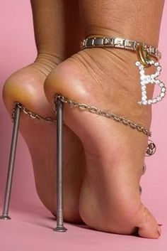 nail heel .... and ankle bracelet