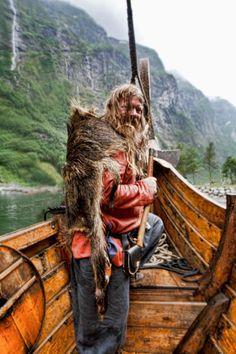 viking on board ---(Viking Blog elDrakkar.blogspot.com)
