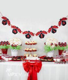 Ghirlandă Buburuze   Vixy Ladybug, Advent Calendar, Holiday Decor, Party, Theme Parties, Kids Part, Ladybugs, Meet, Lady Bug