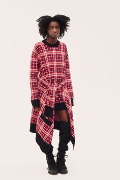 The complete MSGM Pre-Fall 2018 fashion show now on Vogue Runway.