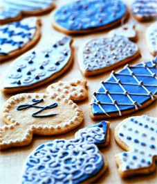 Frosted ornament cookies