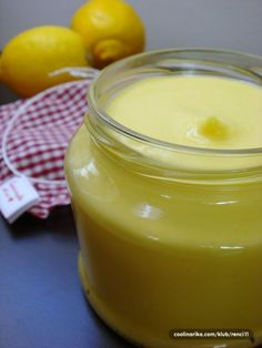 Najlepší citrónový krém: Do koláčov, zákuskov aj k pečivu! Food Club, Lemon Curd, Food And Drink, Pudding, Lemon, Raffaello, Lemon Cream, Puddings