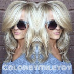 Hair Color Trends 2018 - Highlights Blondes what can I say. Love Them, comes easy to me ! She has a balayage / plus babylights . Love Hair, Great Hair, Big Hair, Gorgeous Hair, Beautiful, Curly Hair, Short Hair, Hair Color And Cut, Haircut And Color