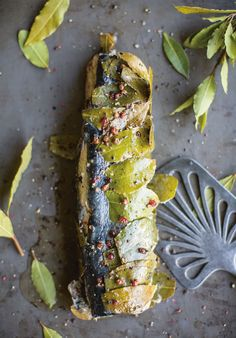 Eel in Bay Leaves with 3 Peppercorn and Raspberry Vinegar (use sugar-free vinegar, sub coconut oil for both lard and butter) Eel Recipes, The Fish Market, Vinegar Uses, Potato Rice, Healthy Grains, Healthy Sugar, Bay Leaves, Nut Butter, Sea Food