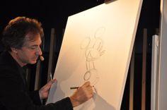 Dibujando a Mickey Mouse. Master class del Disney Artist Fabrizio Petrossi en ESNE http://web.esne.es/noticias/el-disney-artist-fabrizzio-petrossi-primer-invitado-en-el-international-visiting-faculty-series-de-esne/