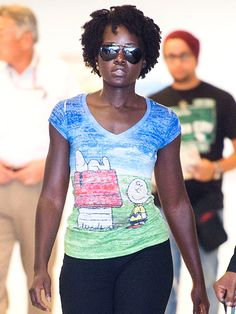 Star Tracks: Monday, August 31, 2015 | DOWN TO A TEE | It's the great Lupita Nyong'o, Charlie Brown! The actress shows her love for Peanuts while arriving at N.Y.C.'s JFK Airport on Thursday.