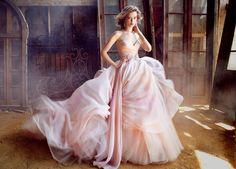 Be A Modern-Day Princess! 25 Fairytale Wedding Dresses! Diseñador:Lázaro