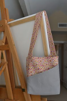 Idea for duct tape combo. handmade mommy: Busy Bag Tutorial!