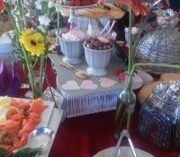 fillings Crumpets, Waffle, Catering, Table Decorations, Home Decor, Buns, Decoration Home, Room Decor, Gastronomia