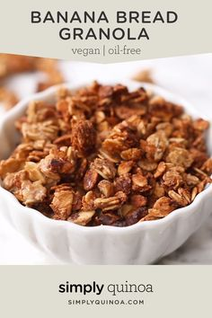 This healthy Banana Bread Granola recipe uses just 6 easy ingredients, has those perfect clusters, and is also oil-free and vegan. The best easy homemade breakfast or treat! snacks to sell Clustery & Oil-Free Banana Bread Granola Recipes Breakfast Video, Homemade Breakfast, Healthy Breakfast Recipes, Healthy Drinks, Healthy Eating, Healthy Recipes, Healthy Savoury Snacks, Banana Recipes Clean Eating, No Egg Breakfast