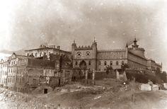Getto - równanie z ziemią Jewish History, My Kind Of Town, World War Ii, Black History, Old Photos, Wwii, Poland, Louvre, Mansions