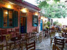 ΓΕΥΣΗ | Φτηνά μεζεδάκια σε 5 υπέροχες αθηναϊκές αυλές