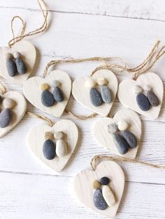 design 70 Favorite Rock Art Design Ideas Perfect For Beginners - Ideaboz Stone Crafts, Rock Crafts, Crafts To Make, Arts And Crafts, Decoration Design, Art Design, Design Ideas, Pebble Painting, Stone Painting