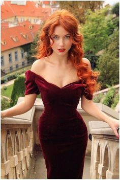 off shoulder red velvet bodycon dress - Women Colth's