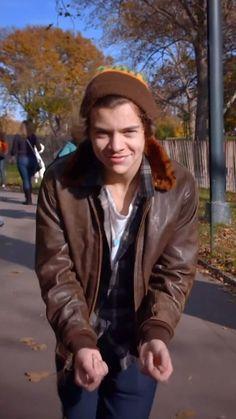 Canciones One Direction, Harry Styles Photoshoot, Harry Styles Smile, One Direction Videos, Mr Style, Video New, Harry Edward Styles, Liam Payne, Pretty Boys
