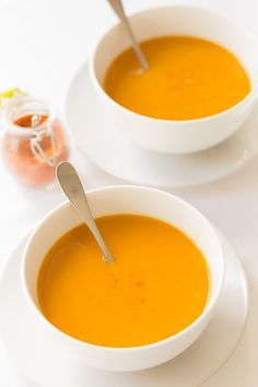 "A deliciously natural sweet and soul warming carrot and sweet potato soup, which will thaw you out from head to toe. Easy to make and extremely low in calories. One to add to your list of ""comfort"" soups. Quick Healthy Meals, Healthy Recipes, Easy Soup Recipes, Healthy Soup, Low Fat Cooking, Sweet Potato Recipes, Sweet Potato Carrot Soup, Carrot Soup Easy, Soup And Salad"