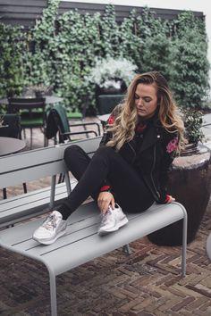 silver sneakers http://carmenmattijssen.nl/2017/03/09/silver-sneakers/